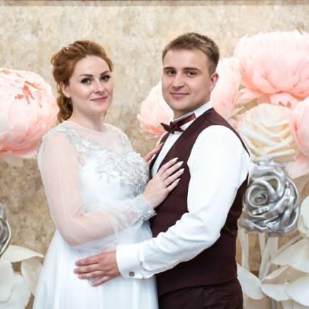 Украшение зала на свадьбу в цвете пыльной розы