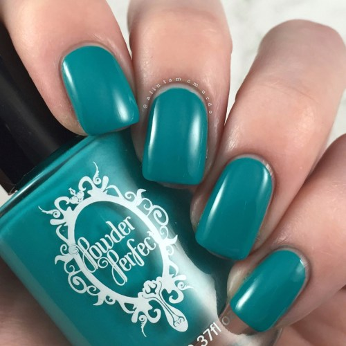 Powder Perfect Lightning Lady Top Coat Review - Polish and Paws