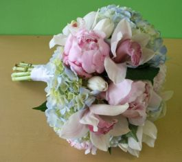 pink-peony-blue-hydrangea-green-orchid-wedding-flowers-for-springfield-country-club-2