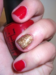 red holiday nails and