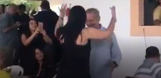dirceu festa - VEJA VÍDEOS: Zé Dirceu 'se solta' em aniversário da esposa e internet não perdoa