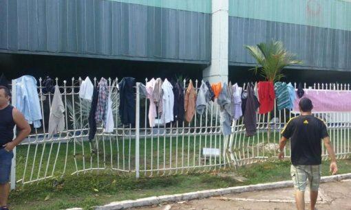 Resultado de imagem para Deputado diz que auxílio paletó de R$ 25 mil no Amapá é para 'vestuário condigno'