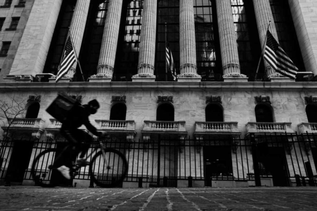 sec-could-delay-potential-delisting-of-chinese-stocks-from-us-exchanges