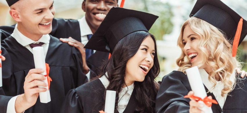 Cum să găsești finanțare pentru a studia în Marea Britanie