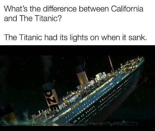difference between california and titanic had lights on when it sank