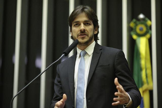 PSDB reclama terceira via e Pedro Cunha Lima critica desembarque da base de apoio de Bolsonaro