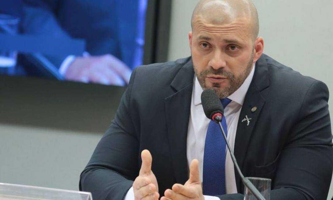 Dois paraibanos votam pelo relaxamento da prisão do deputado Daniel Silveira