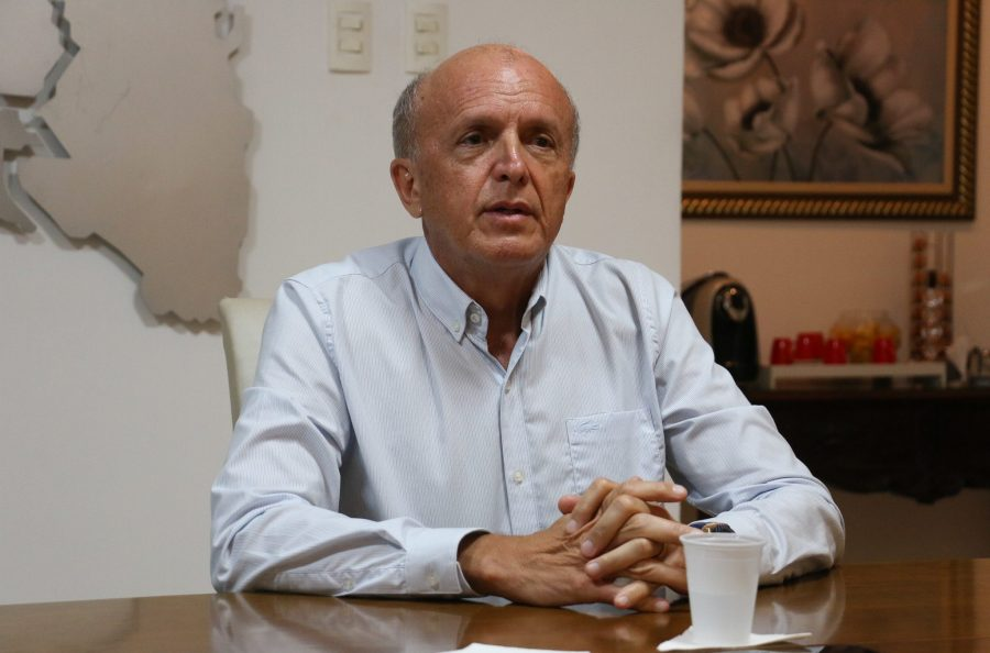 """""""Atribuição dos municípios"""", diz secretário estadual de Saúde sobre irregularidades na vacinação contra a Covid na PB"""