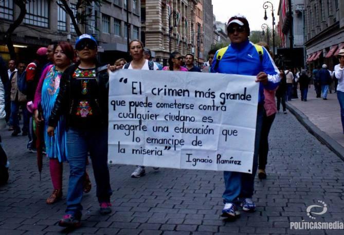 Fotografía: Mónica Olivares | Manifestación en la Ciudad de México 02 de octubre, 2014.