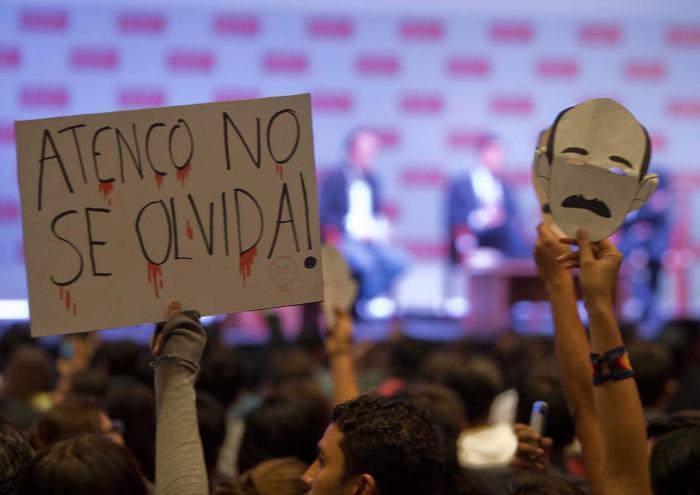 Enrique Peña Nieto en la Universidad Iberoamericana, Ciudad de México | Fotografía German Canseco