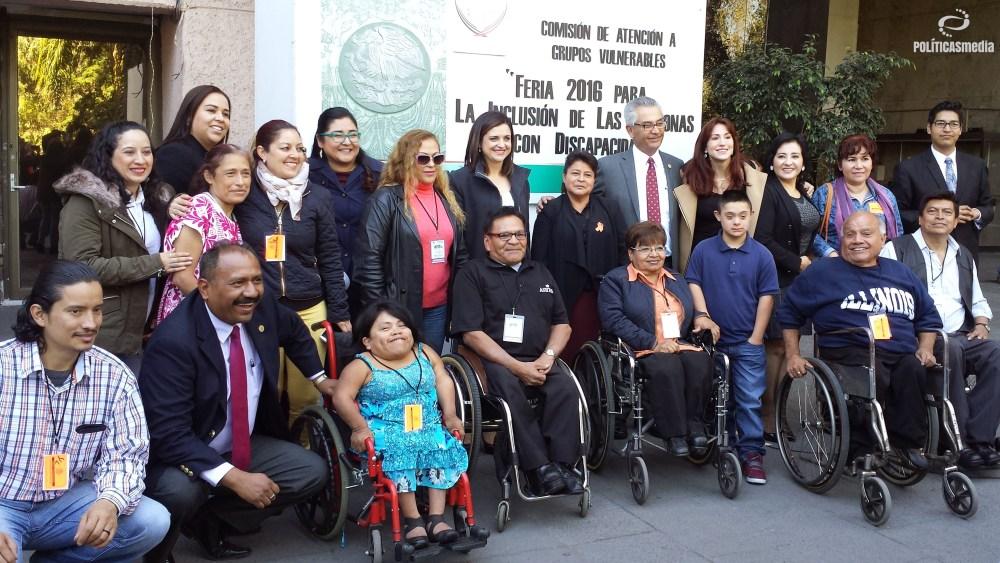 """""""Feria 2016 para la inclusión de las personas con discapacidad"""", por parte de la Comisión de Atención a Grupos Vulnerables de la Cámara de Diputados. Foto: Paty Olivares."""