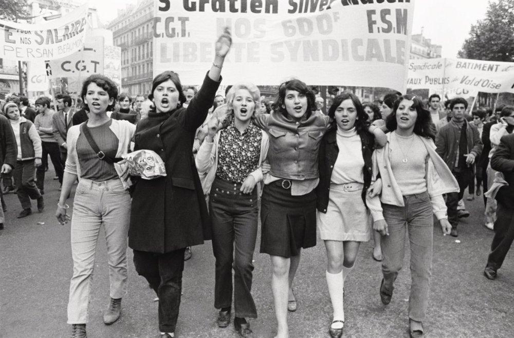 Gilles Caron, Manifestación, mayo de 1968 © Galería de cortesía de la Fundación Gilles Caron / Castaing de Olivier.