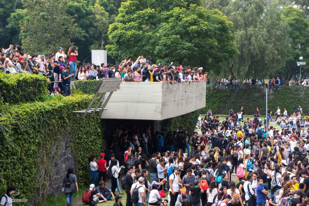 """Marcha en contra de la violencia en la UNAM """"Fuera porros en la UNAM"""". Foto: Paty Olivares."""