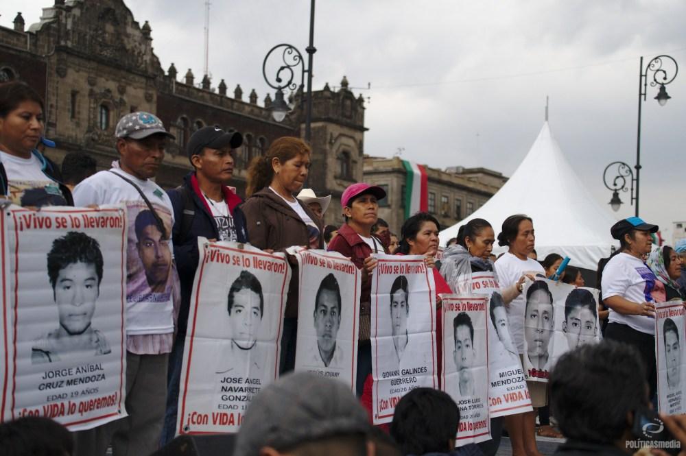 Marcha por Ayotzinapa a 4 años. Foto: Antonio Hernández.