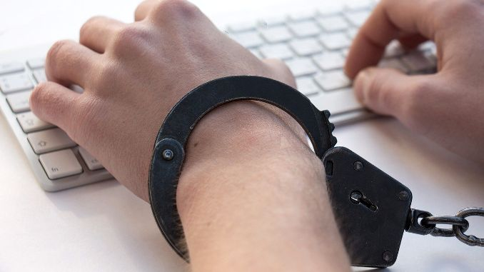 Uhapšen zbog širenja dezinformacija na Fejsbuku