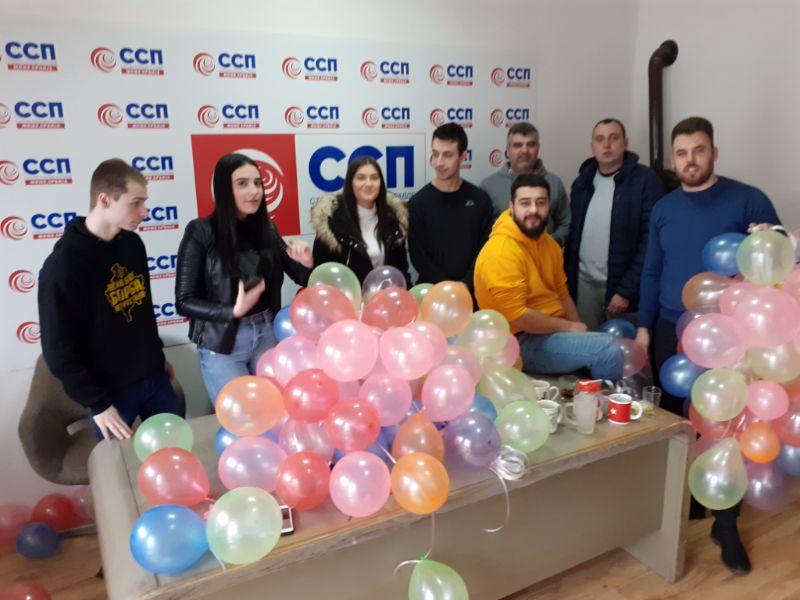 Mladi SSP: 150 balona za 150 ljudi koji dnevno napuste Zrenjanin, zahvaljujući gradonačelniku i njegovim saradnicima