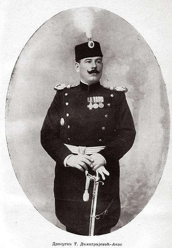 Na današnji dan je streljan Apis, kako bi se sakrio lopovluk predaka Marka Đurića i Milana St. Protića