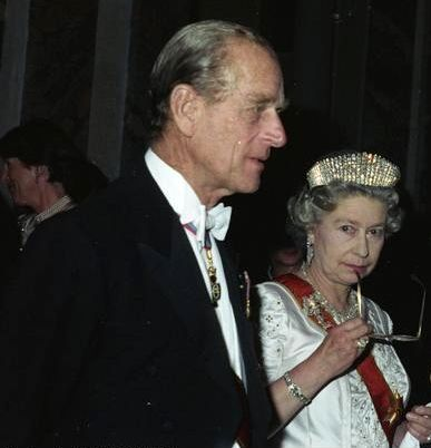 KRALJEVSKI SKANDAL TRESE BRITANIJU: Kraljica Elizabeta II sakrila od javnosti svoje bogatstvo