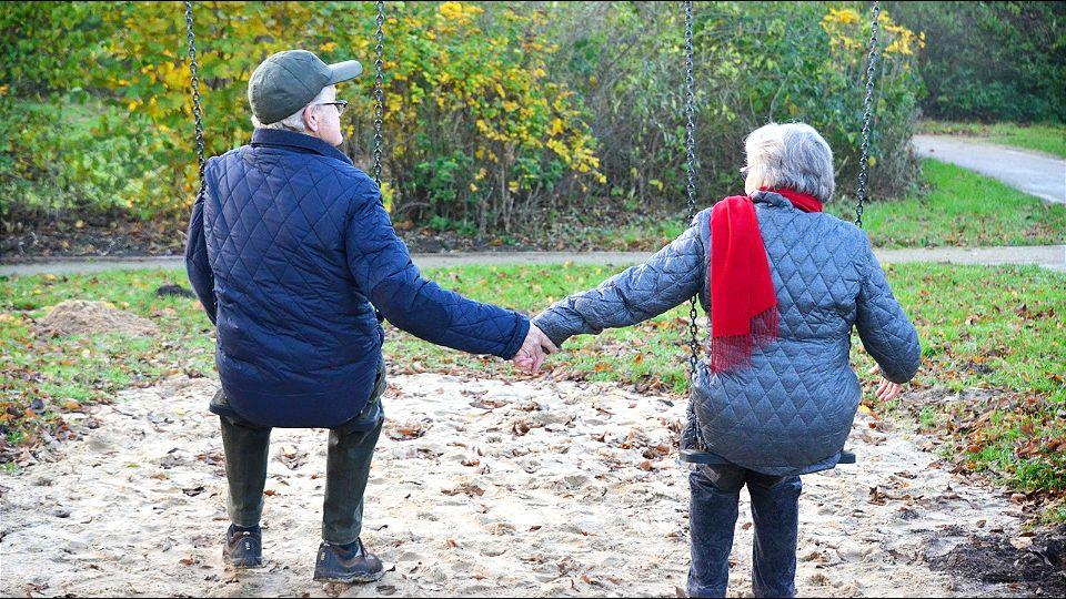Stariji par pobegao iz doma koristeći Morzeovu azbuku