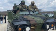 Amerika naoružava Kosovo: Stigla oklopna vozila (FOTO, VIDEO)