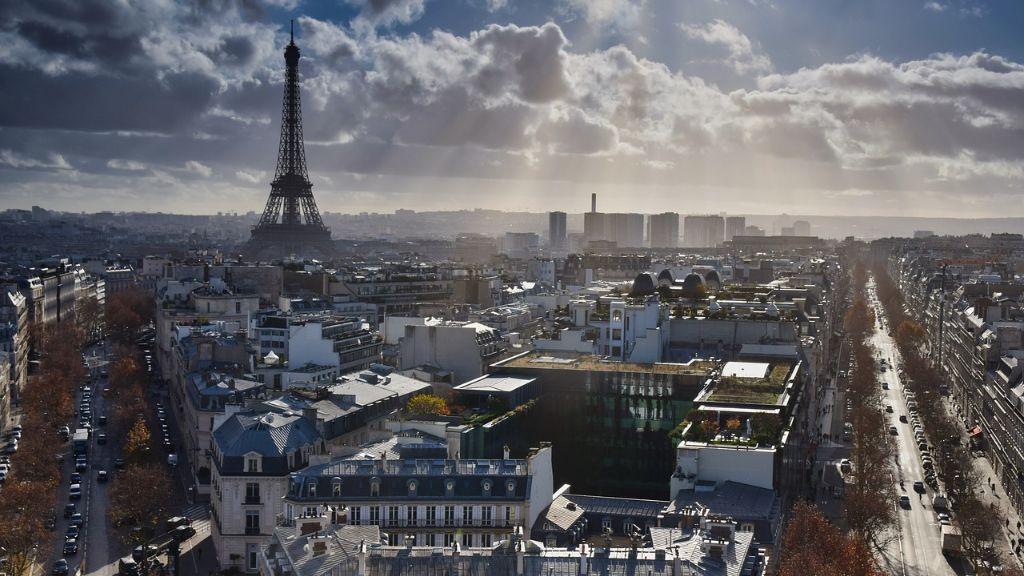 U Francuskoj desetine hiljada ljudi na ulicama protiv sanitarne propusnice