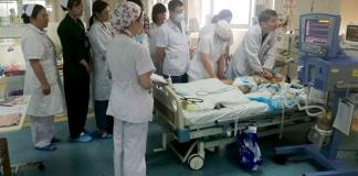 """A los médicos que trabajaron en China, por las redes sociales les desearon """"buen karma"""""""