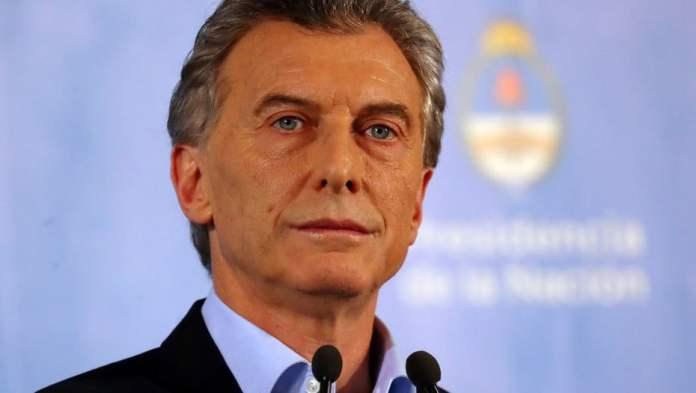 Macri dijo que reducirá su gabinete