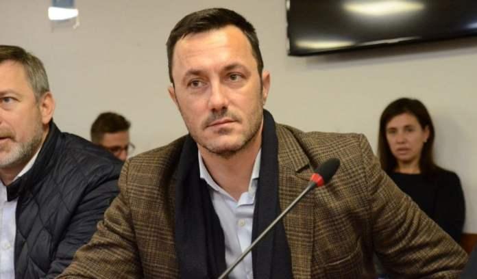 El interbloque liderado por Luis Petri se opone a Vallejos