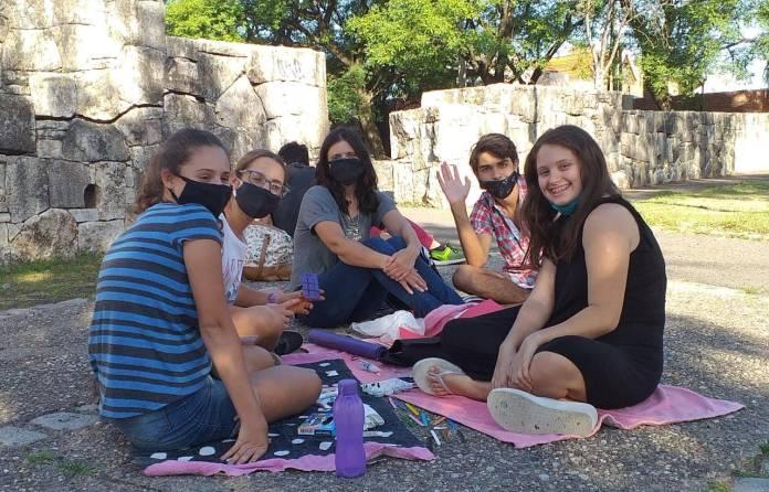 Adela Narowlansky y Marcela Zadoff dieron clases al aire libre