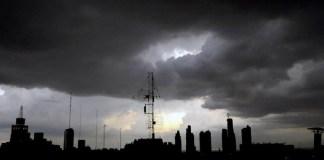 El Estado cordobés oscurece como las nubes