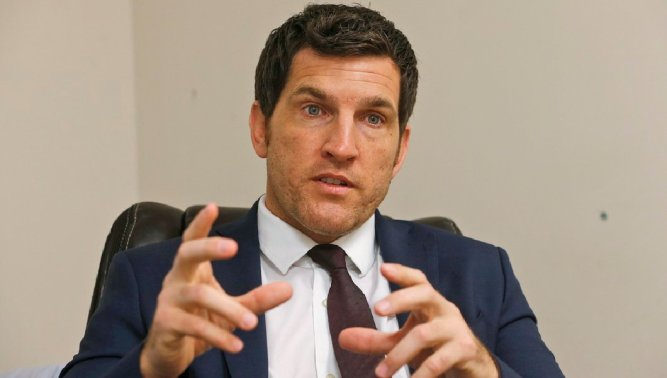 Conservative Groups Sour on Scott Taylor
