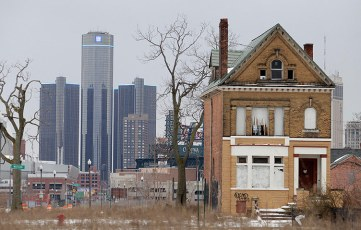 The new iconic photo of post-crash Detroit. Listen, can you hear the footsteps of Robocop?