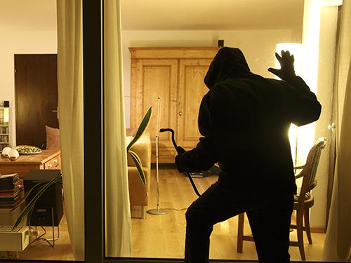 Schadensaufstellung nach einem Wohnungseinbruch  Polizei NRW