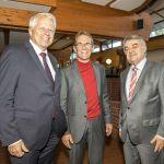 Der Vorsitzende Diethelm Salomon am Rande der Veranstaltung im Gespräch mit Innenminister Herbert Reul und Staatssekretär Jürgen Mathies.