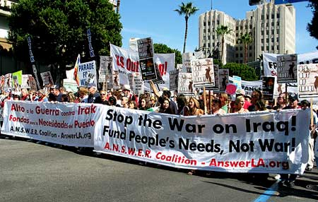 antiwar march, lead banners, los angeles, Oct 28 2006, photo Bethany Malgrem