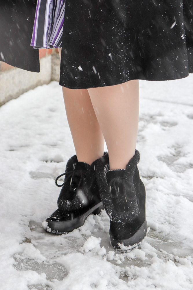 Royal Vintage Shoes reproduction velvet and fur 1940s snow boots