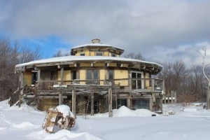 cordwood straw bale off-grid house ontario