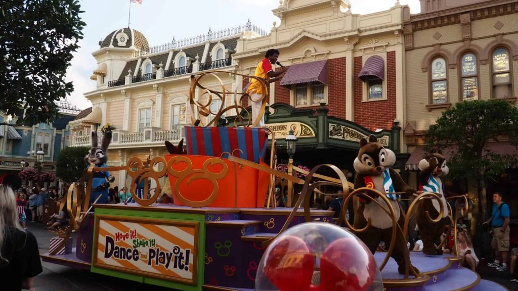 Main Street USA Walt Disney World Magic Kingdom Bucket List