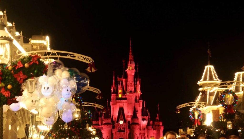 christmas at disney magic kingdom