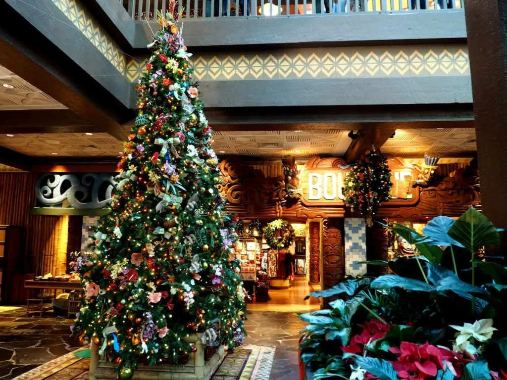polynesian resort christmas at disney
