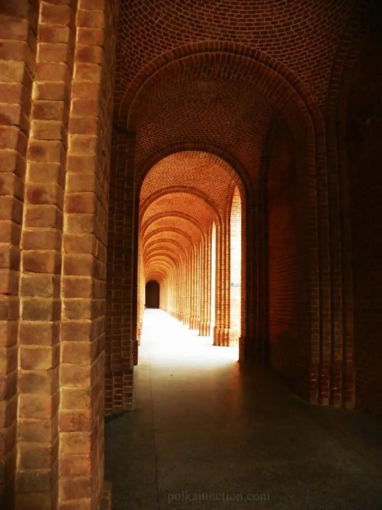 Forest Research Institute's Architecture : Corridor