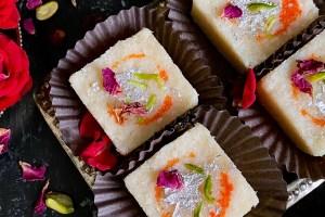 Instant Coconut Burfi | Coconut Vadi Recipe