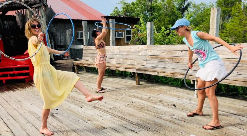 Polla Sisters Hoola-Hoop Dancing