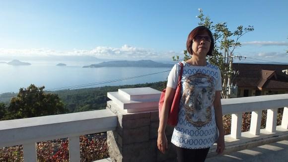 Posh mom with posh lake