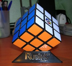 PolloSky vs. Rubik's Cube