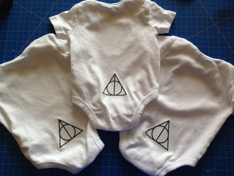 Harry Potter Onesies DIY, Harry Potter Party, Hogwarts Party