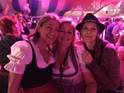 this must be from the early evening @pink Wiesn