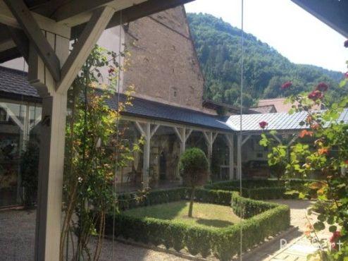courtyard with rose garden