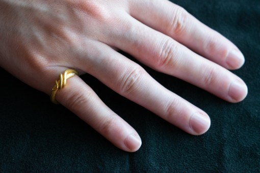 Vine twist 22ct gold ring