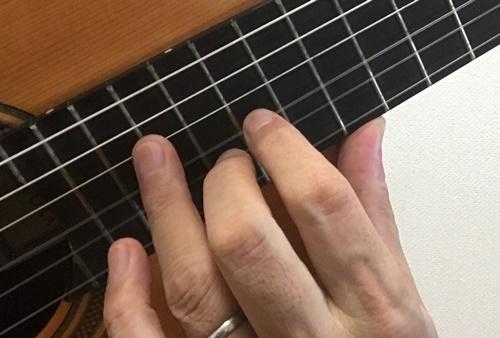 クラシックギターの左手と親指5